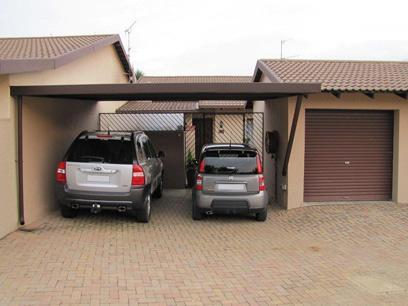2 Bedroom Simplex for Sale For Sale in Weltevreden Park - Home Sell - MR028278