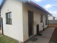 2 Bedroom 1 Bathroom in Protea Glen