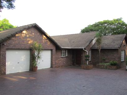6 Bedroom House for Sale For Sale in Bryanston - Home Sell - MR029205