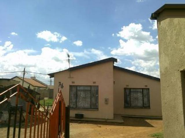 Standard Bank Repossessed 2 Bedroom House for Sale For Sale in AP Khumalo - MR029223