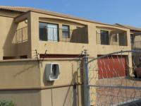 3 Bedroom 2 Bathroom in Bloubergstrand