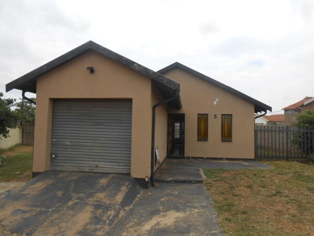 Standard Bank EasySell 3 Bedroom House for Sale For Sale in Ennerdale - MR029560