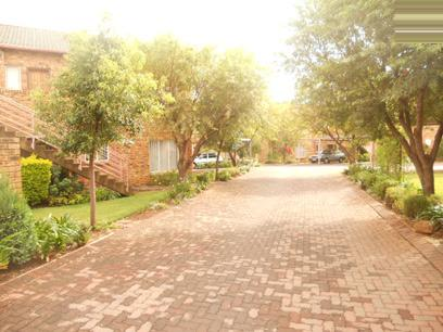 Standard Bank EasySell 1 Bedroom Sectional Title for Sale For Sale in Wilgeheuwel  - MR029593