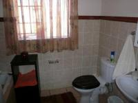 Main Bathroom - 5 square meters of property in Willow Park Manor