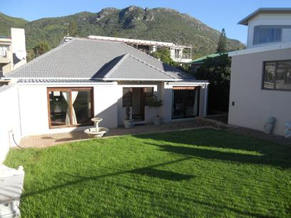 Standard Bank EasySell 3 Bedroom House for Sale For Sale in Hout Bay   - MR029626