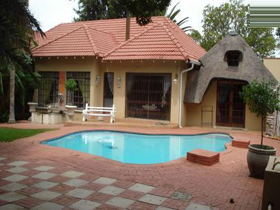 3 Bedroom House for Sale For Sale in Stilfontein - Private Sale - MR029781