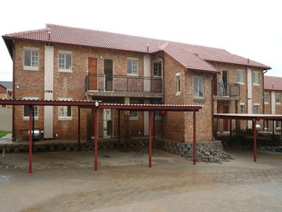 1 Bedroom Simplex for Sale For Sale in Silver Lakes Golf Estate - Private Sale - MR03182
