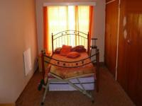 Main Bedroom - 18 square meters of property in Mountain View