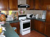 Kitchen - 17 square meters of property in Doringkloof
