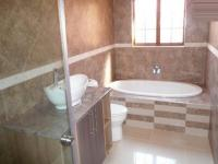 Bathroom 2 - 12 square meters of property in Montana