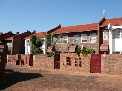 2 Bedroom Duplex for Sale For Sale in Garsfontein - Private Sale - MR03233