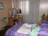 Main Bedroom - 20 square meters of property in Pretoria Central