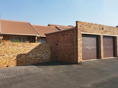 3 Bedroom Simplex For Sale in Kempton Park - Private Sale - MR03274