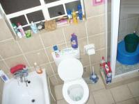 Main Bathroom - 6 square meters of property in Karenpark