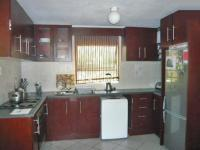 Kitchen - 5 square meters of property in Weltevreden Park