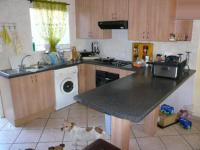 Kitchen - 16 square meters of property in Stone Ridge Country Estate