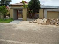 3 Bedroom 1 Bathroom in Lethlabile