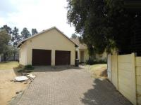 3 Bedroom 2 Bathroom in Fourways