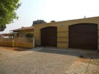 3 Bedroom 1 Bathroom in Riverlea - JHB