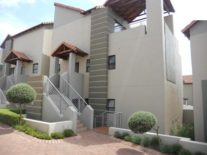 Standard Bank EasySell 2 Bedroom Sectional Title For Sale in Fourways - MR036526