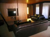 Lounges - 89 square meters of property in Wierdapark