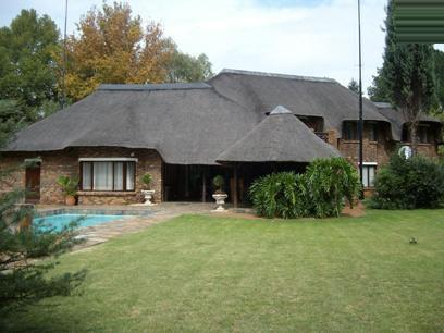 4 Bedroom House For Sale in Vereeniging - Home Sell - MR037288