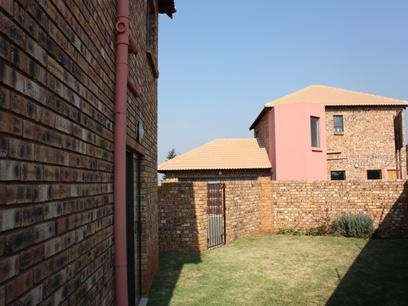 3 Bedroom Cluster for Sale For Sale in Alberton - Private Sale - MR037352