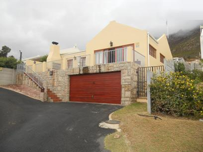 3 Bedroom House for Sale For Sale in Gordons Bay - Private Sale - MR037830