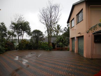 Standard Bank EasySell 8 Bedroom House For Sale in Kingsburgh - MR038115