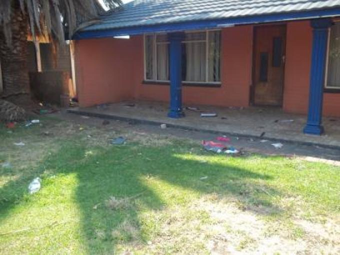 Standard Bank Repossessed 3 Bedroom House for Sale on online auction in Klerksdorp - MR038133
