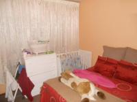 Bed Room 2 - 15 square meters of property in Mondeor