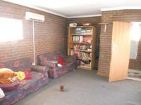 Lounges - 50 square meters of property in Vereeniging