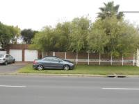 4 Bedroom 3 Bathroom in Milnerton