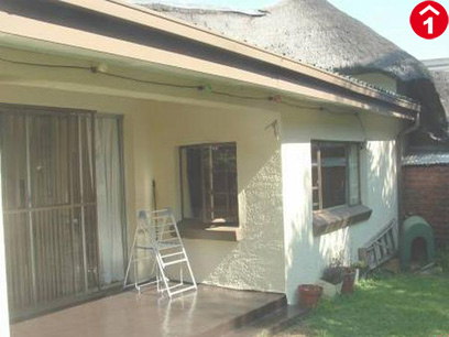 4 Bedroom Duet To Rent in Garsfontein - Private Rental - MR038492