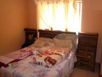Bed Room 1 - 14 square meters of property in Montana