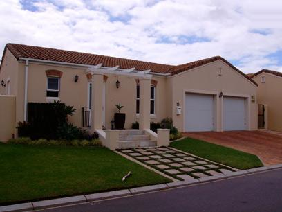 3 Bedroom House for Sale For Sale in Durbanville   - Home Sell - MR038576