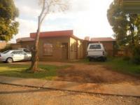 4 Bedroom 3 Bathroom in Lenasia South
