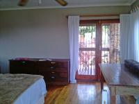Main Bathroom - 12 square meters of property in Kloofendal