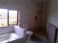 Bathroom 1 - 18 square meters of property in Kloofendal