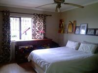 Bed Room 1 - 17 square meters of property in Kloofendal