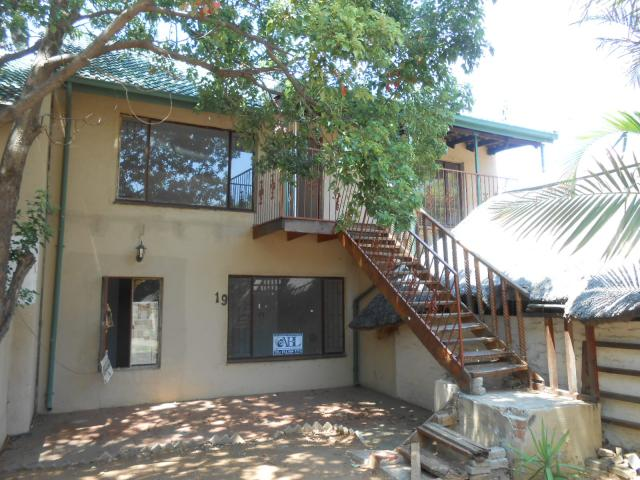 Standard Bank Repossessed 3 Bedroom Sectional Title on online auction in Rustenburg - MR039219