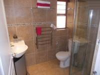Bathroom 1 - 2 square meters of property in West Beach