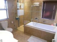 Main Bathroom - 5 square meters of property in West Beach