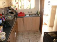 Kitchen - 9 square meters of property in Sinoville