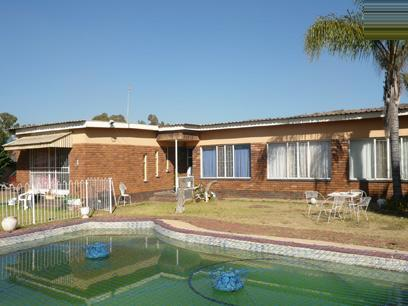3 Bedroom House for Sale For Sale in Booysens - Home Sell - MR04257