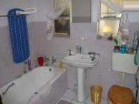 Bathroom 1 - 3 square meters of property in Booysens