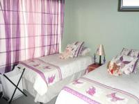 Bed Room 2 - 8 square meters of property in Thatchfields