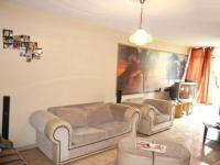Lounges - 38 square meters of property in Sunnyside