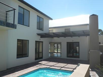 3 Bedroom House for Sale For Sale in Somerset West - Private Sale - MR04321