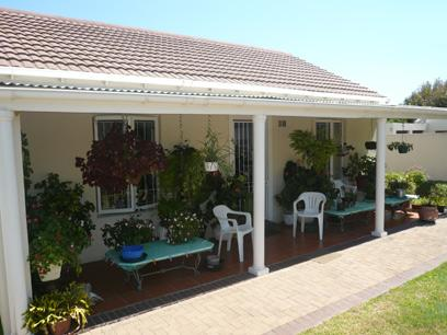 2 Bedroom Simplex For Sale in Edgemead - Private Sale - MR04333